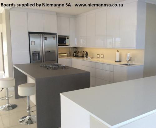 niemann-sa-kitchen-polygloss-u1027-icy-white