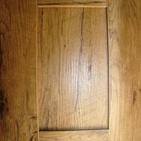 COLOUR: PALE OAK SHAKER DOOR R4262